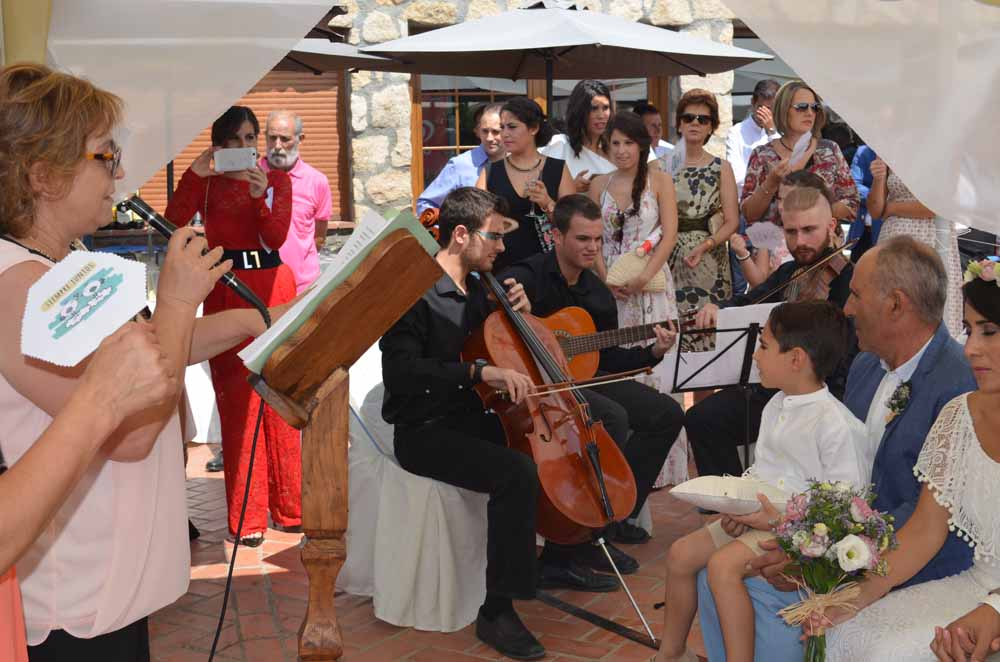 Trío musical en boda civil